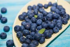 Superfood antiossidante ed organico del mirtillo in una ciotola fotografia stock libera da diritti