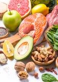 Superfoods en el fondo blanco Nutrición sana fotos de archivo libres de regalías