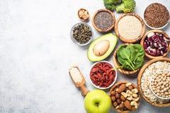 Superfoods - Nüsse, Bohnen, Grüns und Samen Lizenzfreie Stockfotografie