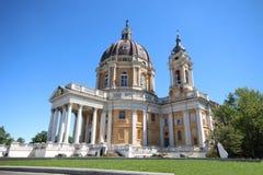 Superga大教堂看法在市都灵,意大利 库存图片
