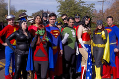Superhéroes 2012 del desfile del cuenco de la fiesta imagenes de archivo