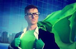 Superheld-Geschäftsmann-Strength Cityscape Stock-Austausch-Konzept stockfotos