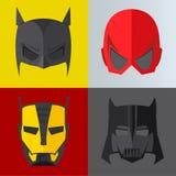 Superheldmaske auf farbigen Hintergründen Lizenzfreie Stockbilder