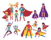 Superherofamiljtecken Superheroestecken i dräkter med hjälteudde Mirakel- mamma, toppen farsa och barnhjältar vektor illustrationer