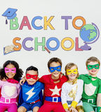 SuperKids de volta ao conceito da apreciação da escola foto de stock
