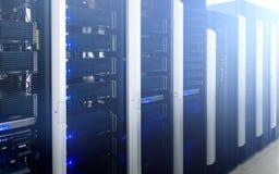 Superkomputery w obliczeniowym dane centrum fotografia stock