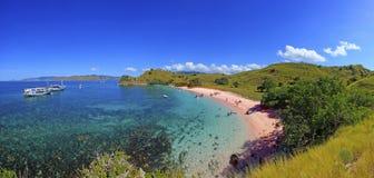 Superlargepanorama van Roze Strand, Flores-Eiland stock foto