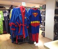 Supermannhausmantel und -ausstattung Lizenzfreies Stockfoto