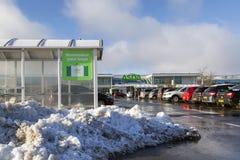 Supermarché d'Asda en états de neige d'hiver photographie stock libre de droits