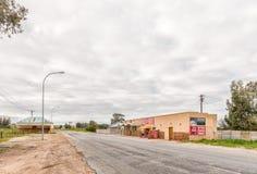 Supermarché et magasin de vins et de spiritueux à la matrice Plaat dans Velddrif images stock