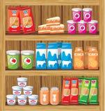Supermarket. Shelfs med mat Arkivfoto