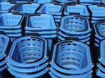 Supermarket shopping basket Royalty Free Stock Photos