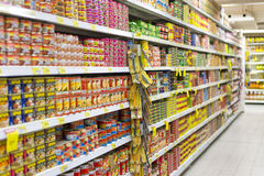 SupermarketIsle arkivfoto