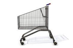 Supermarketshoppingvagn på vit bakgrund Fotografering för Bildbyråer