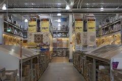 Supermarkt DIY mit Fliesen Stockbilder