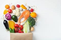 supermarkt Document zakhoogtepunt van gezond voedsel stock foto