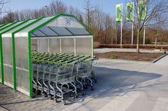 Supermarkt het winkelen karretjes Royalty-vrije Stock Foto