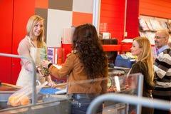 Supermarkt-Kassierer-Zeile Lizenzfreies Stockfoto