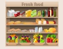 Supermarkt legt Lebensmittel beiseite und trinkt Lizenzfreies Stockbild