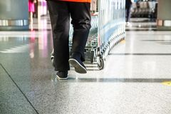 Supermarktkarretje het Winkelen het Detailhandelconcept Van de consument royalty-vrije stock afbeeldingen