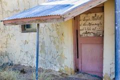 Supermercado abandonado viejo, construyendo en el empalme de Death Valley Fotografía de archivo