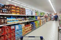 Supermercado de Aldi Imágenes de archivo libres de regalías