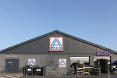 Supermercado de Aldi em Dinamarca Fotografia de Stock Royalty Free