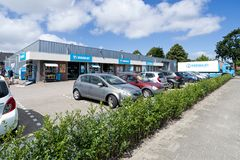 Supermercado de Hoogvliet em Sassenheim, Países Baixos Fotografia de Stock Royalty Free