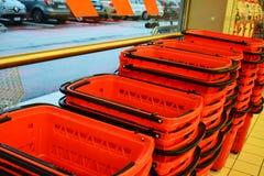 Supermercado y carros de la compra Fotografía de archivo libre de regalías