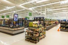 Supermercato di Walmart a Williamsburg, VA, U.S.A. Fotografia Stock Libera da Diritti