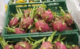 Supermercato fresco della frutta del drago immagini stock libere da diritti
