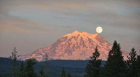 Supermoon over MT Rainier Royalty Free Stock Photo