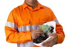 Supervisor ou homem do trabalho com terra arrendada alta da camisa da visibilidade e c Fotografia de Stock