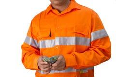 Supervisore o uomo del lavoro con l'alta tenuta della camicia di visibilità e la c Immagine Stock Libera da Diritti