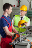 Supervisore in una fabbrica Fotografia Stock
