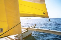 Superyacht de navigação luxuoso na Espanha de Ibiza fotos de stock royalty free