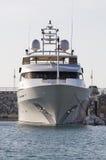 Superyacht in DIBS Lizenzfreie Stockbilder