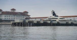 Superyacht sinneslugn i port Klang Malaysia royaltyfri bild