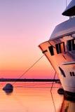 Superyacht am Sonnenuntergang Lizenzfreie Stockfotografie