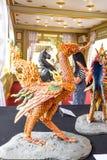 Suphanzwaan, Mythische Schepselen van Aziatische legende in Sanam Luang stock afbeeldingen