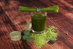 Suplementos ao alimento verde Fotografia de Stock Royalty Free