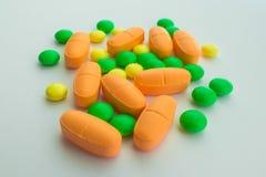 Suplementos de las vitaminas, primer foto de archivo libre de regalías