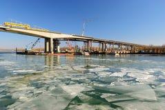 Suplente de la construcción del puente de Voroshilovskii Rostov-en Foto de archivo
