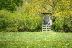 suporte da árvore dos caçadores imagens de stock