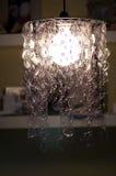 Suporte da lâmpada dos frascos plásticos recicl Fotografia de Stock Royalty Free