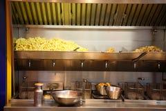 Suporte das batatas fritas. Imagens de Stock Royalty Free
