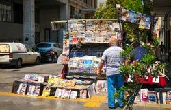 Suporte de notícia em Atenas, Grécia Fotografia de Stock