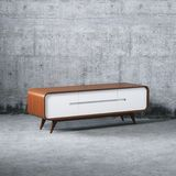 Suporte diy de madeira da tevê do vintage da mobília imagem de stock royalty free