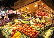 Suporte do produto do mercado de Boqueria fotografia de stock