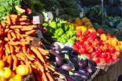 Suporte do produto do mercado dos fazendeiros foto de stock royalty free